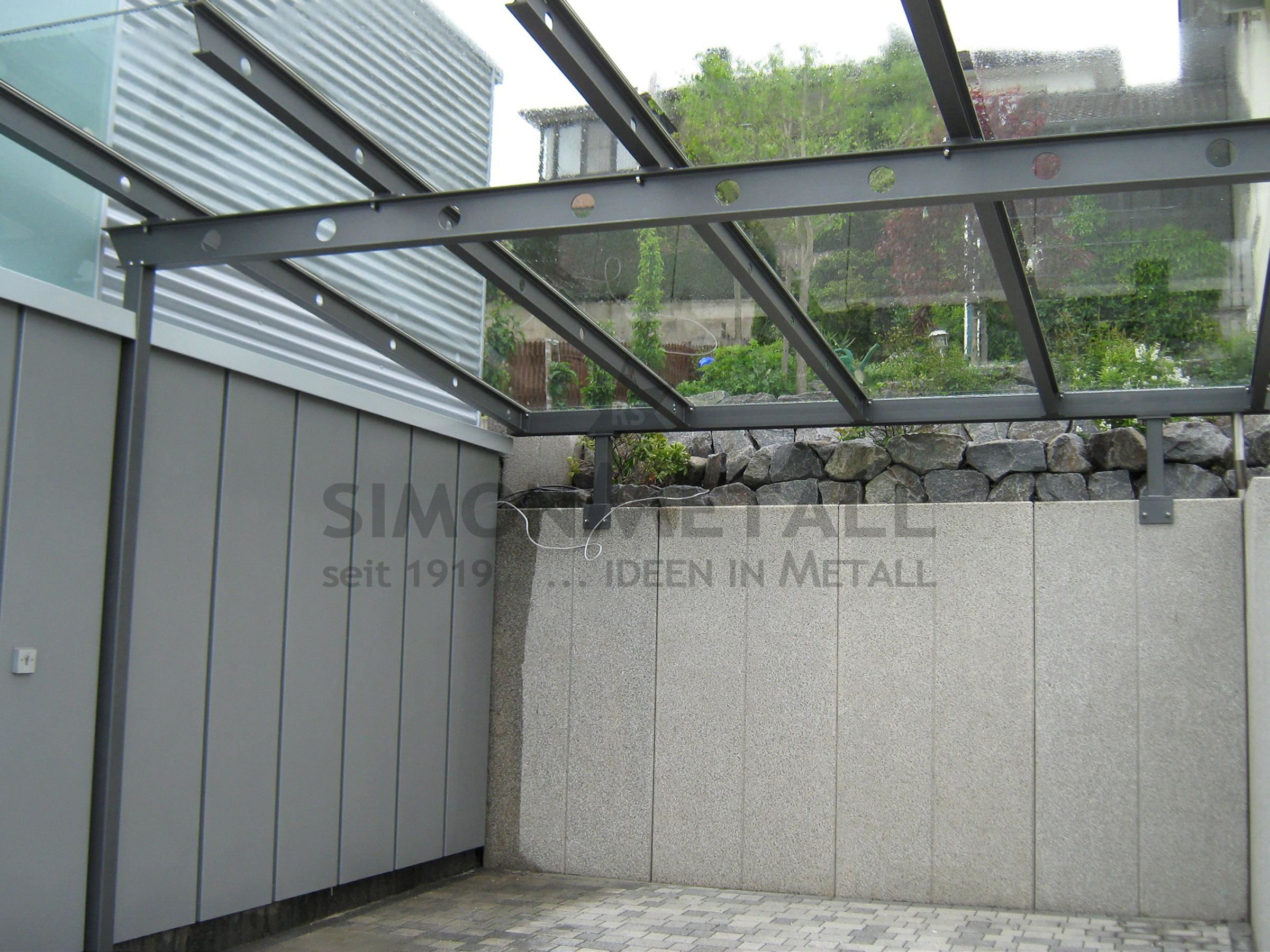 Carports simonmetall gmbh co kg in tann rh n g nthers for Stahlbau carport