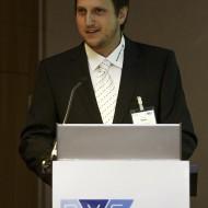 Christian Simon bedankt sich für den Preis - Quelle: BILDSCHÖN