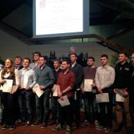 Die klassenbesten Absolventen aus Industrie und Handwerk der Ferdinand-Braun-Schule.
