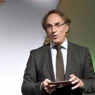Jürgen Schäfer moderiert die Runde.