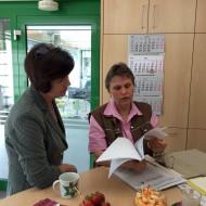 Birgit Kömpel  (MdB) informiert sich bei SIMONMETALL zum Mindestlohn 2015