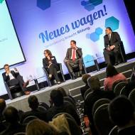 """Diskussionsrunde """"Neues wagen! Veränderung braucht Bildung.""""  - Quelle: Kathrin Jegen / ZWH"""