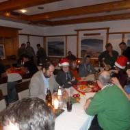 Ein paar Nikolausmützen sorgen für Stimmung.